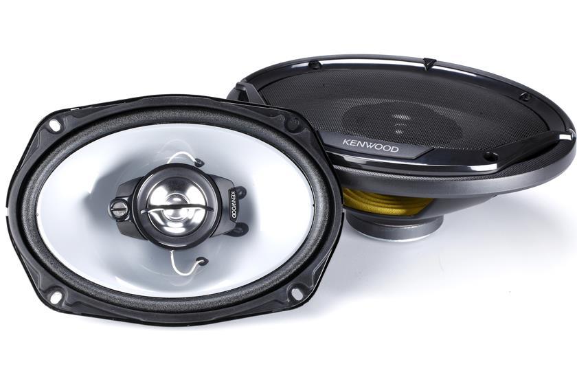 Beautiful White 6 inch x 9 inch Car Speakers